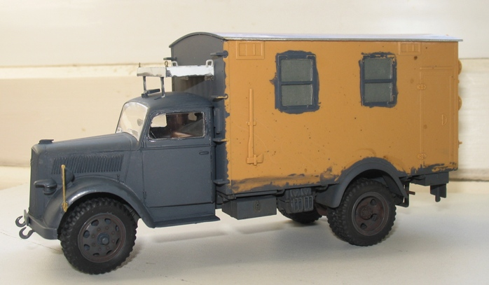 opel radio Italeri 1/35:opel blitz+grappe rabio du kit blitz tankwagen 1210290407306670110492780