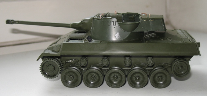 M-18 Hellcat  Académy 1/35 1211100321326670110534800