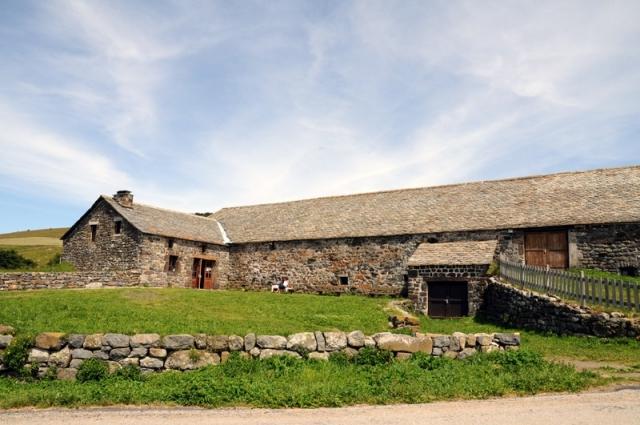 La ferme de Bourlatier dans t) L'ARDECHE MOUN POI 12111108525715299610540830