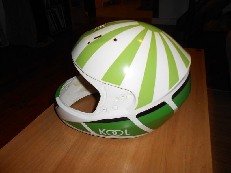 Mon casque pour la saison 2013 12111311480811012210550873
