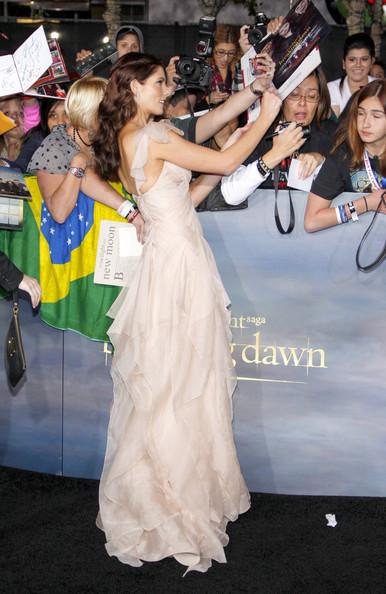 [12-11-12] Première 'Twilight' Breaking Dawn Par2 à LA 12111312121415567110548137