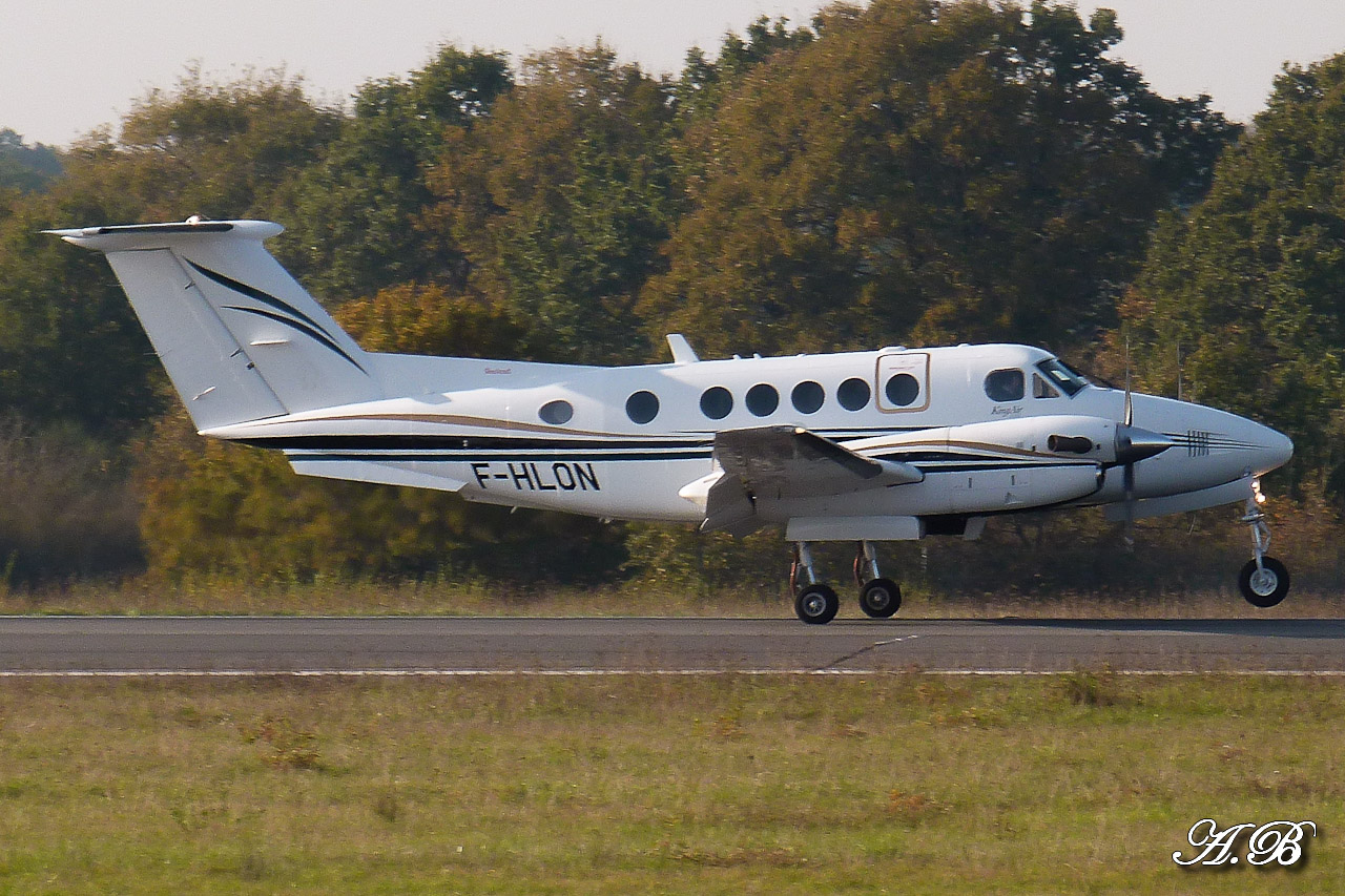 [BIZ JETS] L'Aviation d'Affaires de 2012... - Page 10 12111608383515701310559936