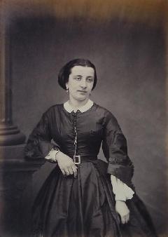 Pierre Ambroise Ricchebour<br /> portrait Femme debout 01<br /> (1).JPG