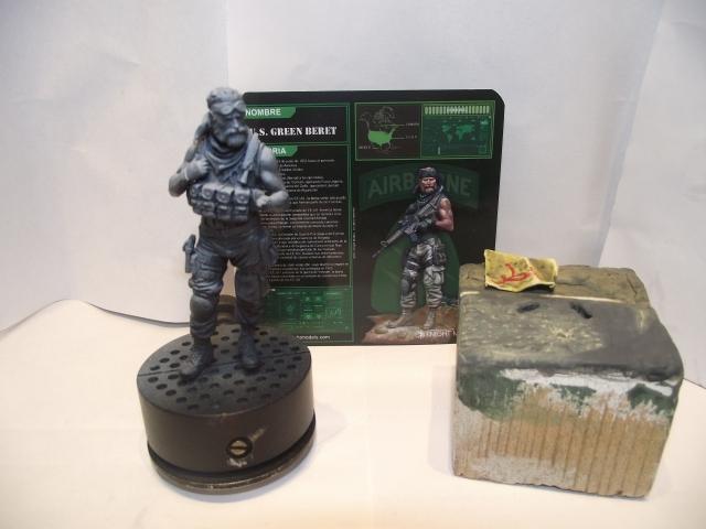 Green beret knight model 12112611302914336410595849