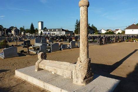 Monuments funéraires Rose+Croix 1211300652113850010612234