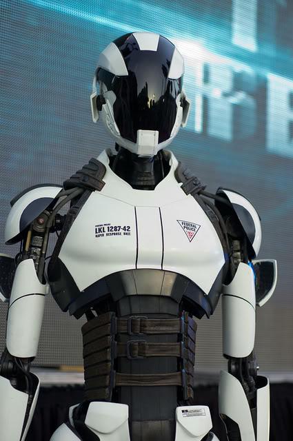 13012106303015263610783653 dans Robot-cool
