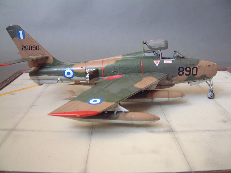 [Italeri] F-84F - 1/48e 1301260533214769010801063