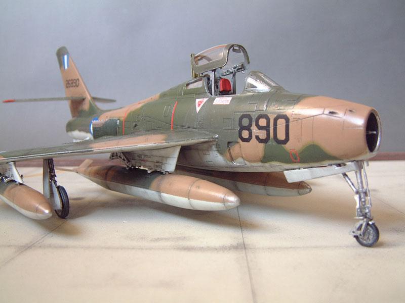 [Italeri] F-84F - 1/48e 1301260533274769010801070