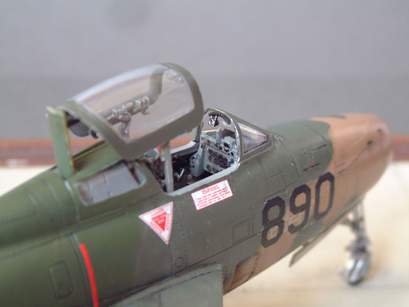 [Italeri] F-84F - 1/48e 1301260533464769010801078
