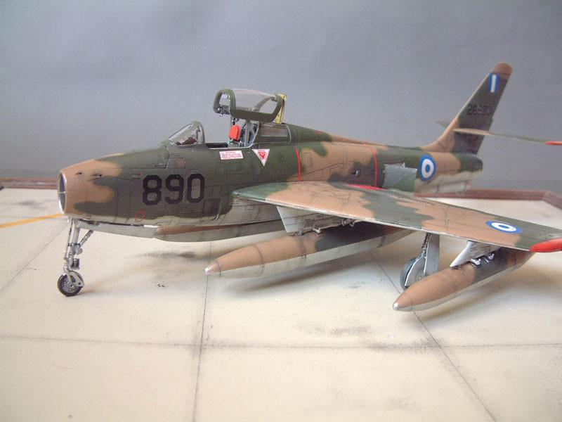 [Italeri] F-84F - 1/48e 1301260533554769010801079