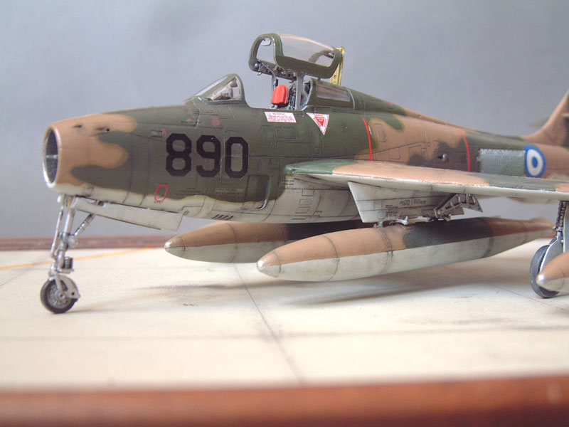 [Italeri] F-84F - 1/48e 1301260534044769010801082