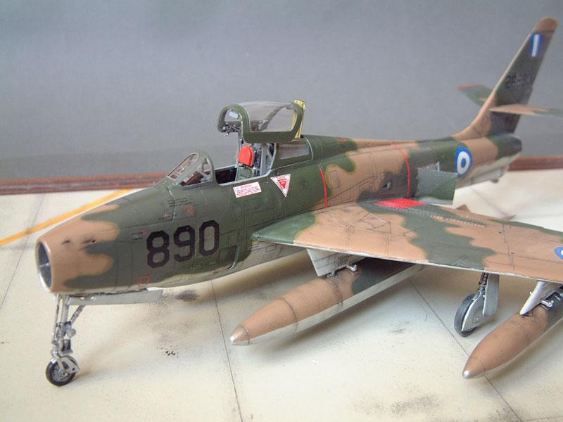 [Italeri] F-84F - 1/48e 1301260534134769010801083