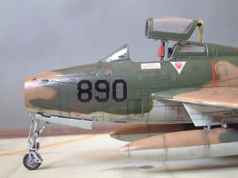 [Italeri] F-84F - 1/48e 1301260534254769010801085
