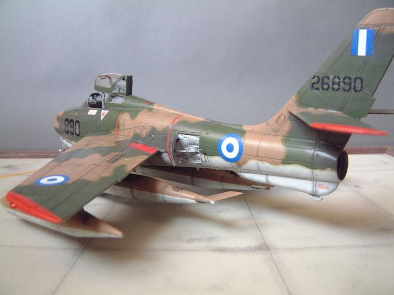 [Italeri] F-84F - 1/48e 1301260534374769010801089
