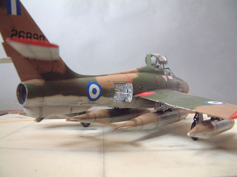 [Italeri] F-84F - 1/48e 1301260534554769010801092