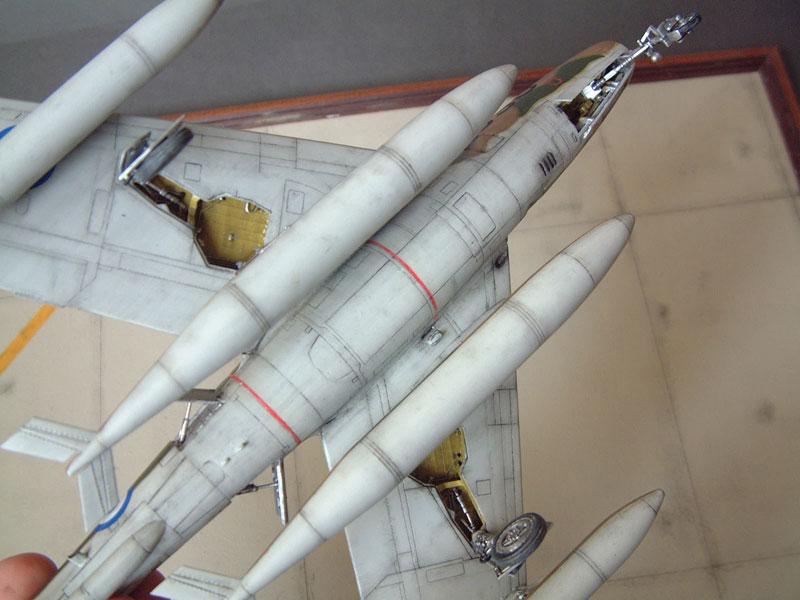 [Italeri] F-84F - 1/48e 1301260535004769010801093
