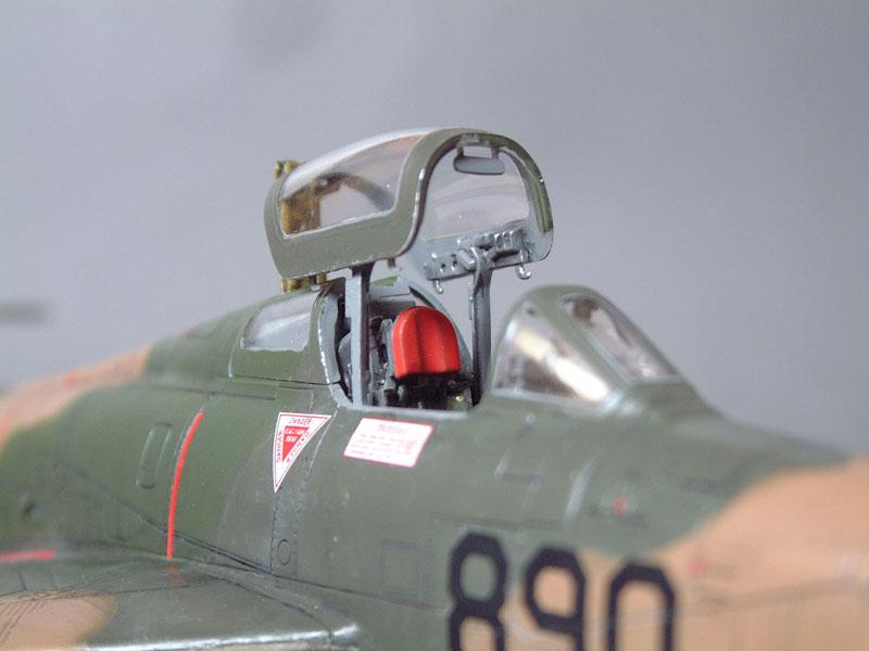 [Italeri] F-84F - 1/48e 1301260535214769010801097
