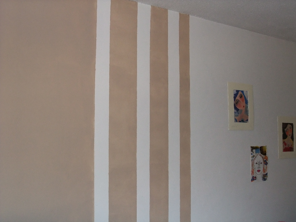 salon: nouvelle déco. p12. cadres et miroirs petit mur - page 5 - Peindre 2 Murs De Couleurs Differentes