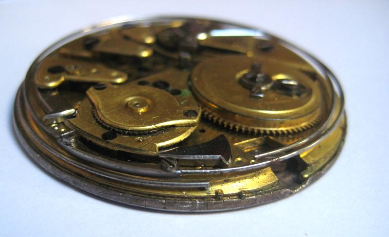 Un post qui référence les montres de brocante... tome II - Page 23 1303030551046519410925341