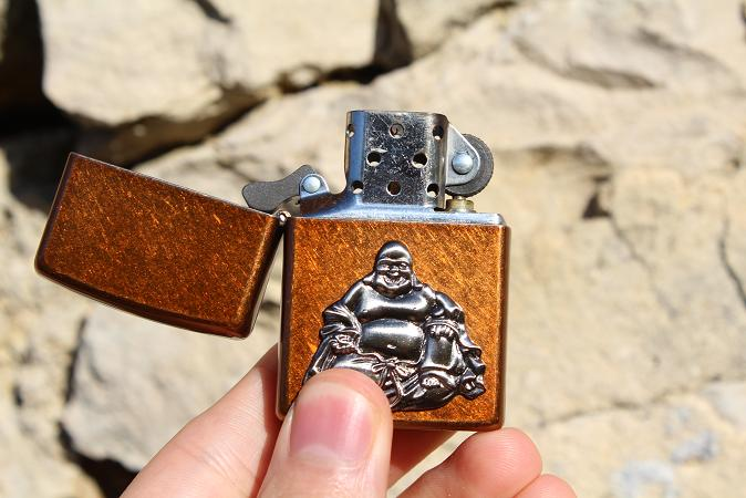 Mon premier Zippo : Le Buddha Emblem (en photos) 13031008293716157610954571