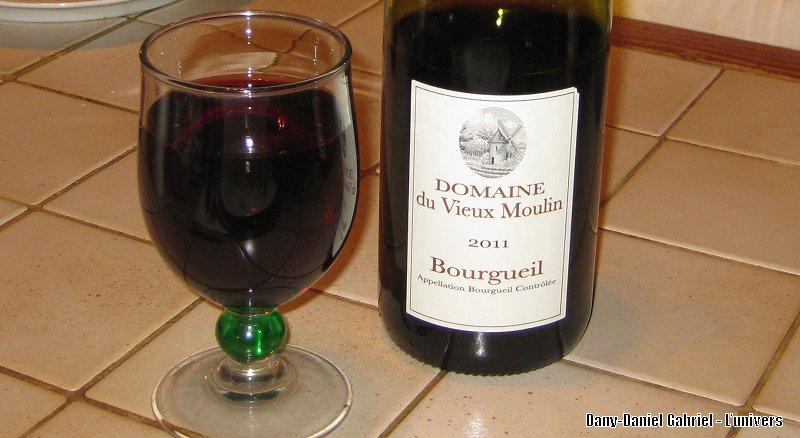 vin rouge domaine du vieux moulin