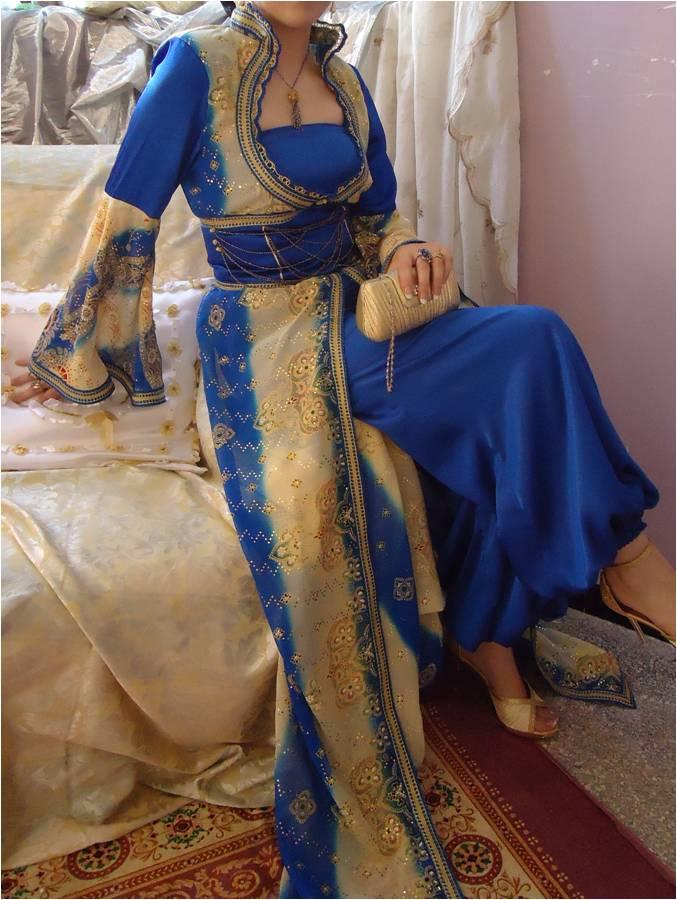 pour la robe kabyle elle coute beaucoup moins chère que 12000 da.