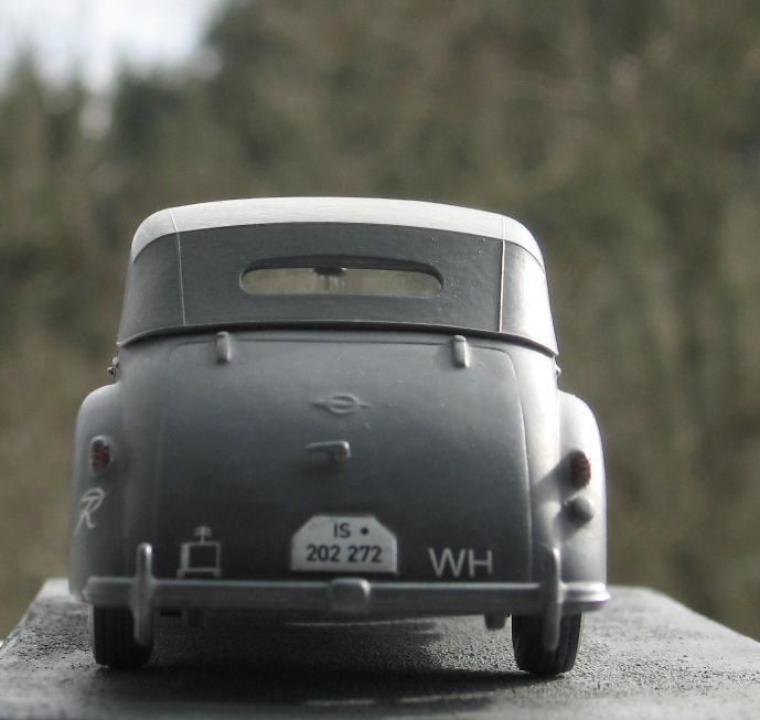 Opel admiral cabriolet Revell 1/35 1303210441266670110995937