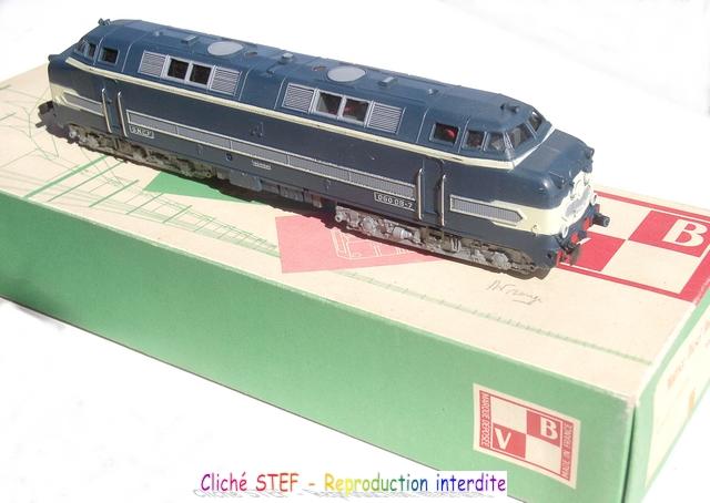 Les séries plastique (locomotive, automotrice voitures, wagons) 1304130303438789711080479