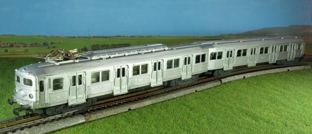 Les séries plastique (locomotive, automotrice voitures, wagons) 1304150958528789711087448