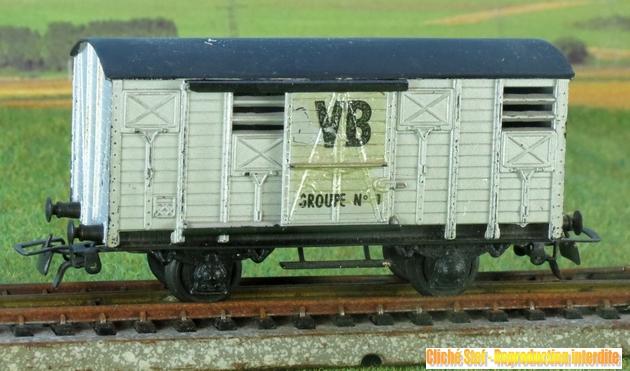 Les séries plastique (locomotive, automotrice voitures, wagons) 1304151251398789711087904
