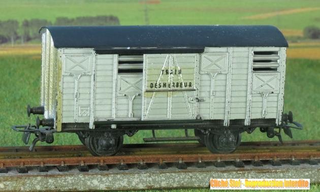 Les séries plastique (locomotive, automotrice voitures, wagons) 1304151251408789711087905