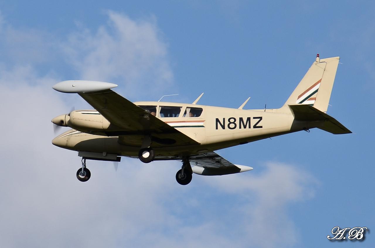 Spotting du 28/04/2013 : Charters dont B738 Corendon et A320 Orbest Portugal 13042810305216280011132163