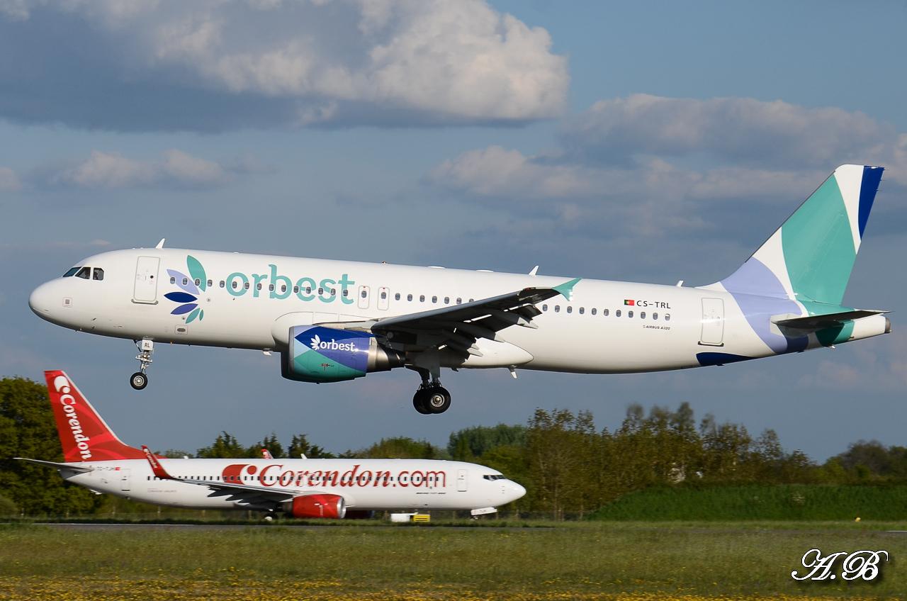 Spotting du 28/04/2013 : Charters dont B738 Corendon et A320 Orbest Portugal 13042810305216280011132166