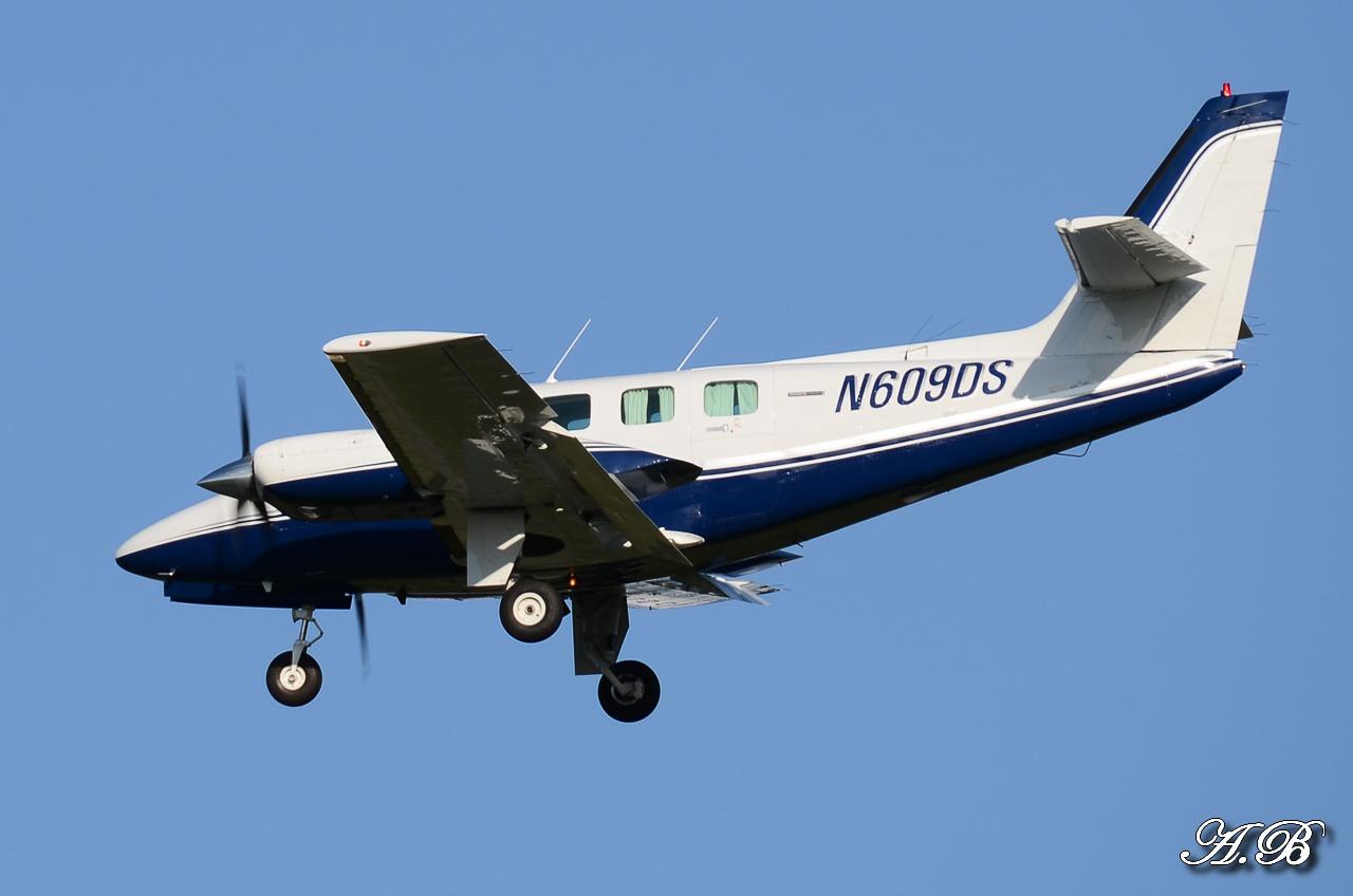 Spotting du 28/04/2013 : Charters dont B738 Corendon et A320 Orbest Portugal 13042810305216280011132170