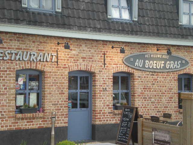Het Nederlands in onze winkels, bedrijven en in de openbare ruimte 13051411145014196111187071