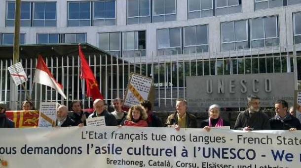 Officiële erkenning van de regionale talen in Frankrijk - Pagina 5 13052002451014196111208400