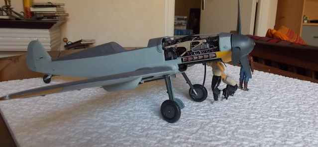 Projet Gunther Rall, Me BF 109 G6 et Mercedes 540 K + figurines au 1/24 13052210574516079111215070