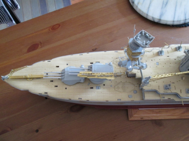 montage du USS ARIZONA AU 1/200 par Raphael - Page 3 1306300420184922011339840