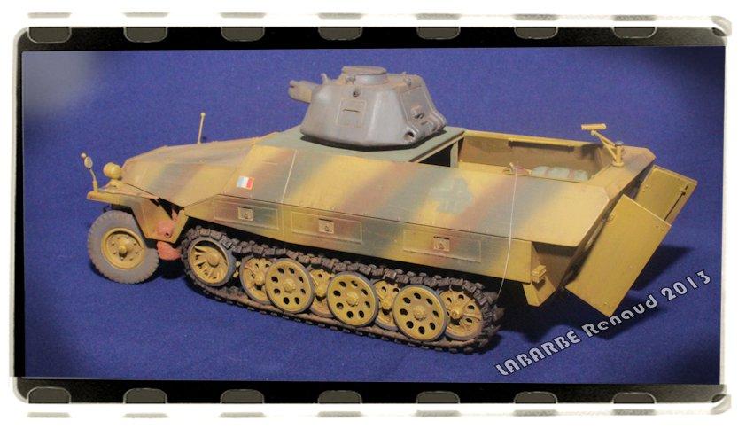 Sd. Kfz.251 avec tourelle APX 13072508423914106611411420