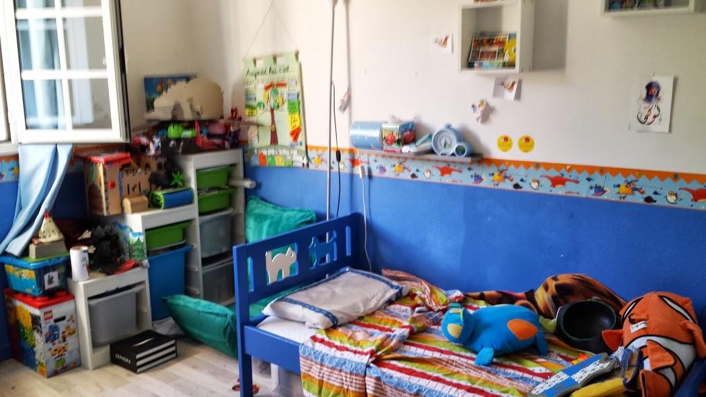 gaelik chambre gar on 7 ans r organiser. Black Bedroom Furniture Sets. Home Design Ideas
