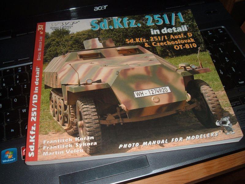 SdKfz 251 ambulance [Dragon, 1/72] 13081210000416542211459545