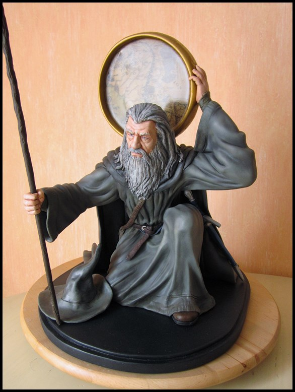 Gandalf statue 1/4 13082405430216083611491138