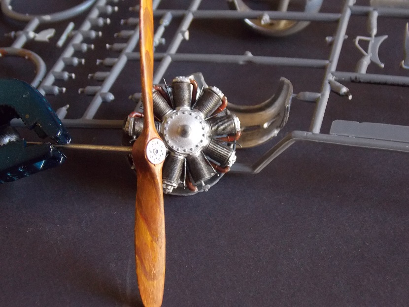 Nieuport 24 bis, kit Roden 1/32 + photo découpe Toms Modelworks et figurine 13083112015416079111511979
