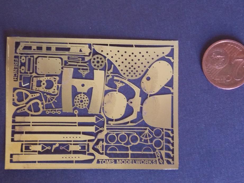 Nieuport 24 bis, kit Roden 1/32 + photo découpe Toms Modelworks et figurine 13090512390516079111525494