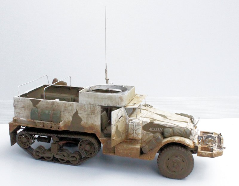 HALF TRACK M2A1 Belgique 1945 - 1/35 13091711075914106611559103