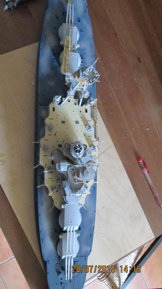 montage du USS ARIZONA AU 1/200 par Raphael - Page 3 1309211156324922011571098
