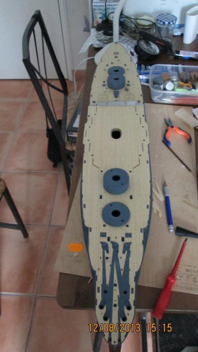 montage du USS ARIZONA AU 1/200 par Raphael - Page 3 1309211158134922011571111