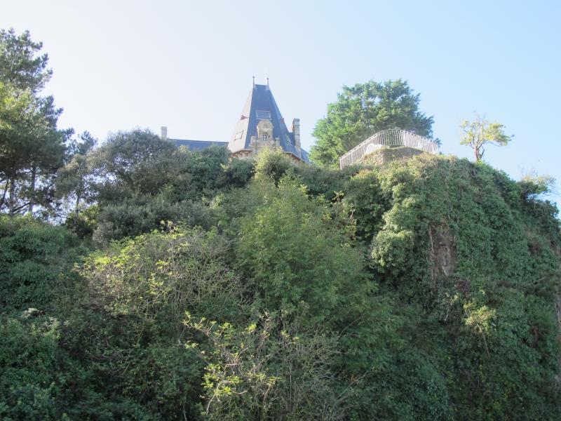Le long du Château Richeux .. 1311050214418300611705173