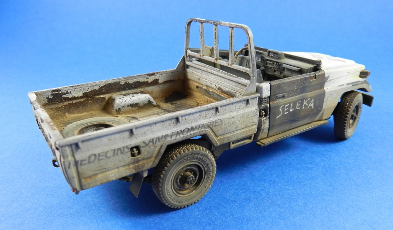 Pick up w zu-23-2 ( 1/35 Meng ) 13110812472115063811712229