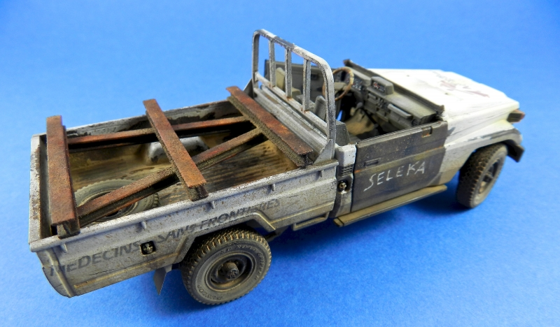 Pick up w zu-23-2 ( 1/35 Meng ) 13110812504815063811712239